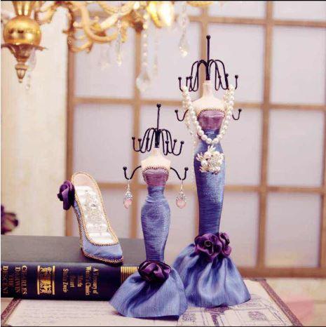 Abocos Dress Jewelry Hanging ตุ๊กตาแขวนเครื่องประดับ ชุดราตรีโทรสีม่วง