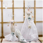 Abocos Dress Jewelry Hanging ตุ๊กตาแขวนเครื่องประดับ ชุดเจ้าสาว
